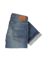 63 Slim Fit Jean