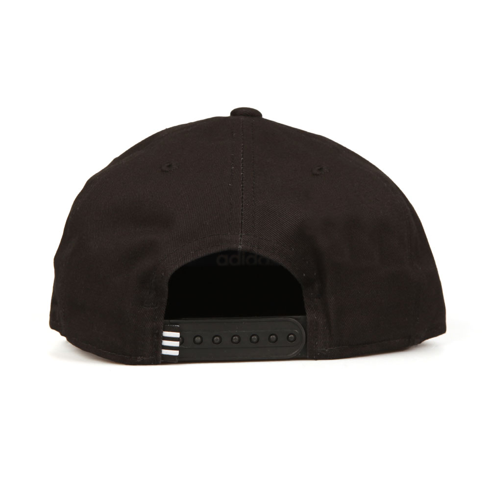 Trefoil Snap back Cap main image