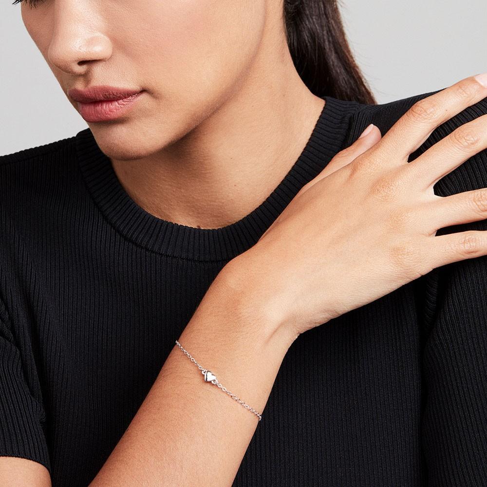Harsa Tiny Heart Bracelet main image