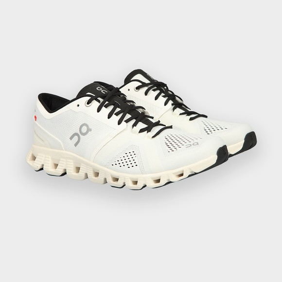On Running Mens White Cloud X Trainer