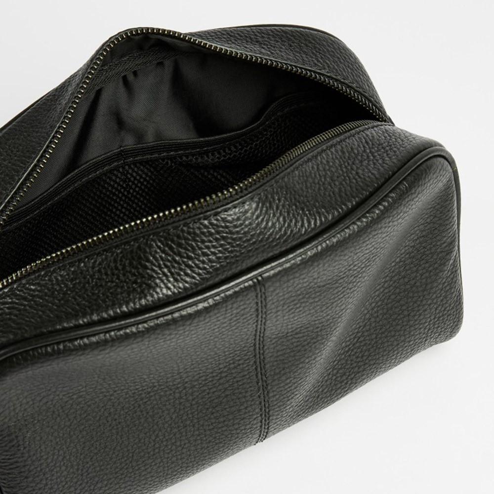 Clings Leather Washbag main image